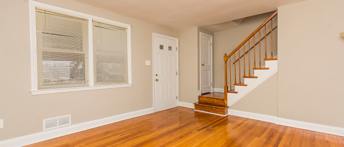 lots of living space in parkville home for sale