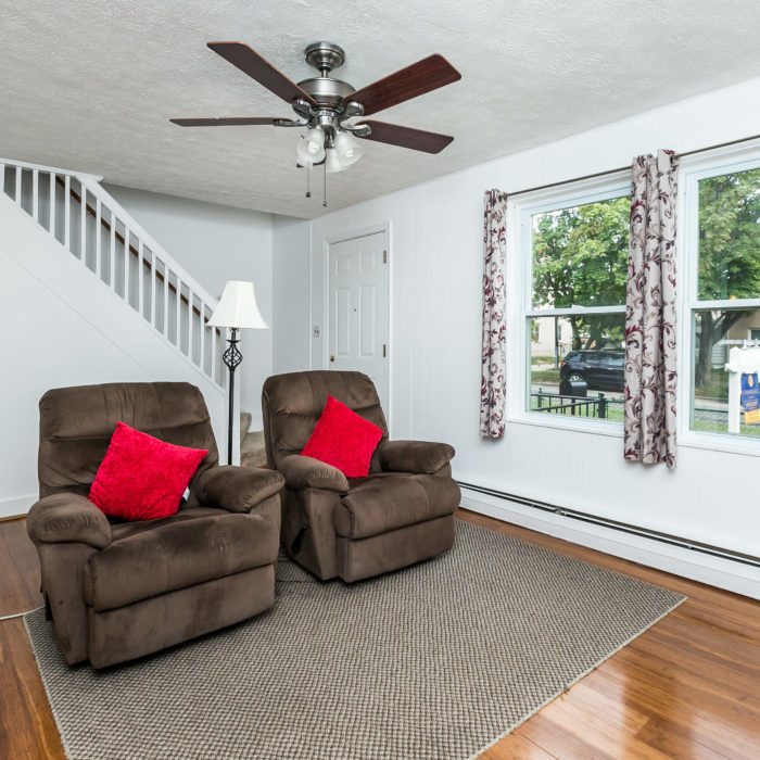 42 Admiral Boulevard living room area