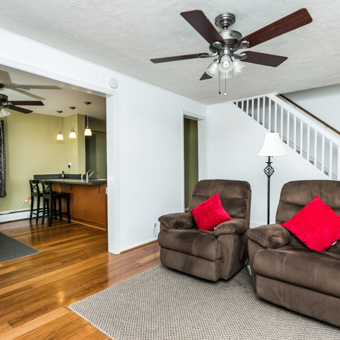 42 Admiral Boulevard living room