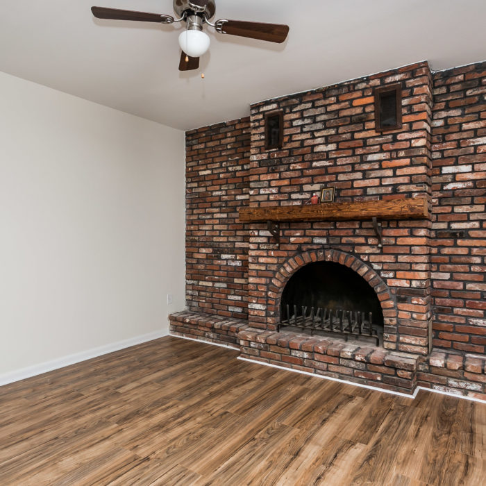 528 46th Street fireplace
