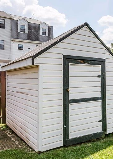 3 Kintore Ct. back yard shed