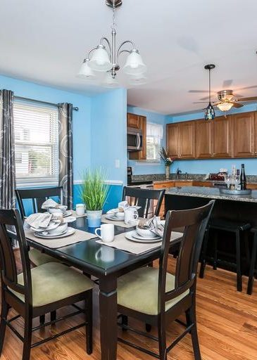 3 Kintore Ct. dining room and windows