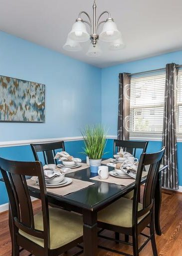 3 Kintore Ct. dining room