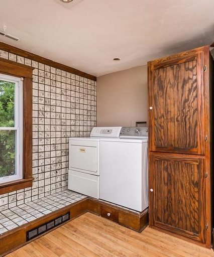 20721 York Rd. washer and dryer