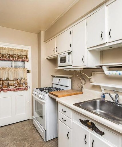 6819 Eastbrook Ave. kitchen