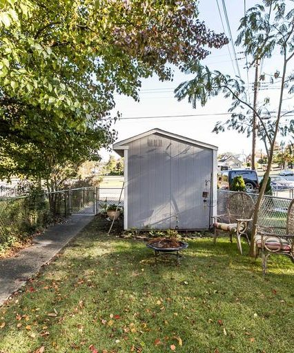 7335 Stratton Way outdoor shed