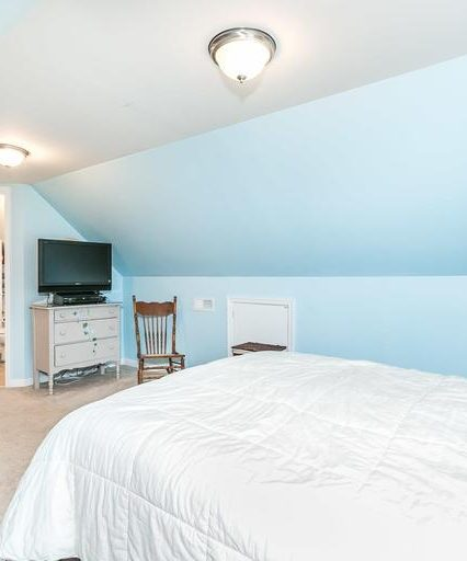 2508 Glencoe Rd. light blue bedroom