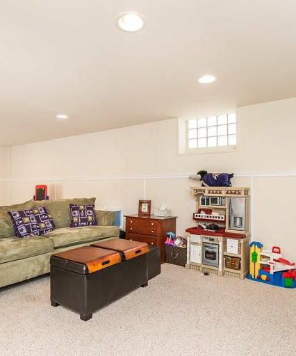 2508 Glencoe Rd. recreational room