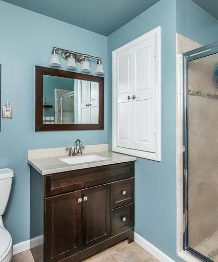 213 Rickswood Road master bath