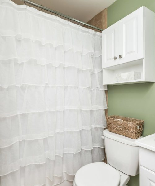 32 Left Wing Drive bathroom shower