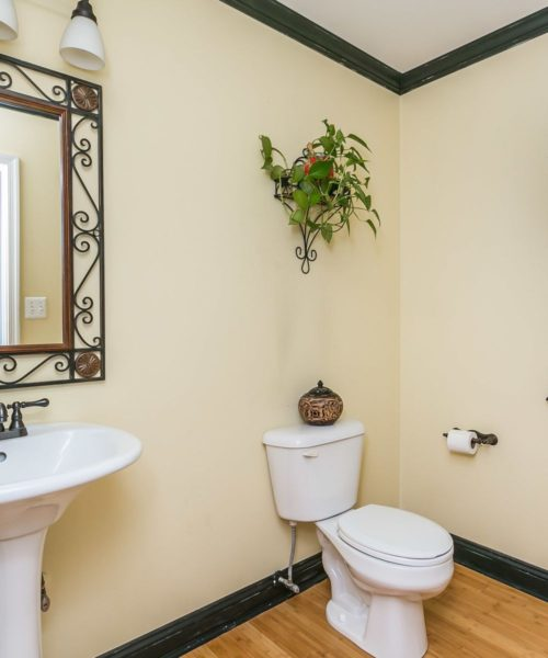 3919 Briar Point Road bathroom