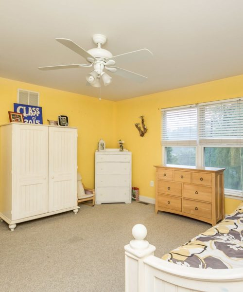 3919 Briar Point Road yellow bedroom ceiling fan
