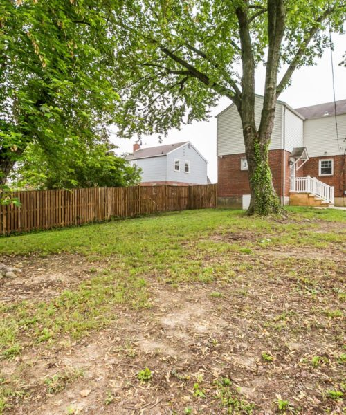 4416 Springwood Ave. privacy fencing