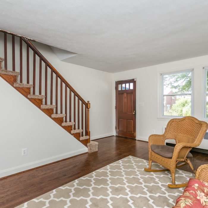 3920 Wilke Avenue entryway and living room