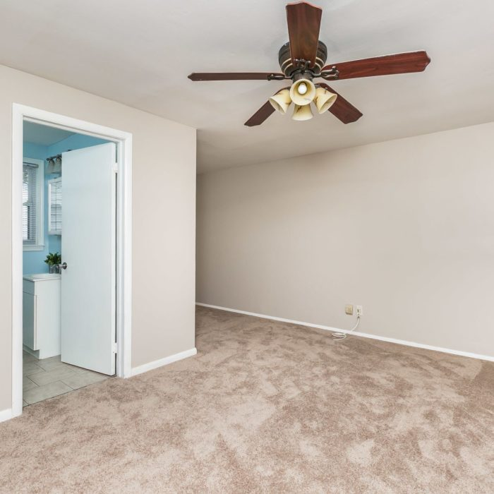 34 Elinor Ave. den with ceiling fan
