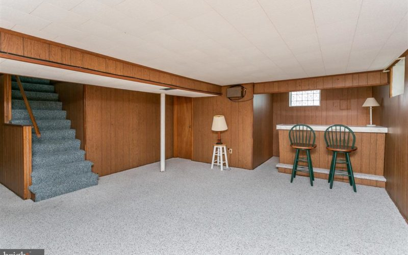 719 50th Street, basement with bar