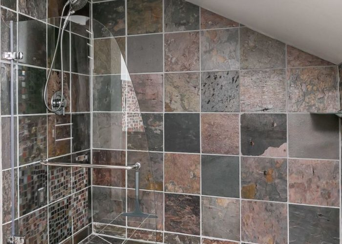 2603 Gibbons Avenue, beautiful large shower