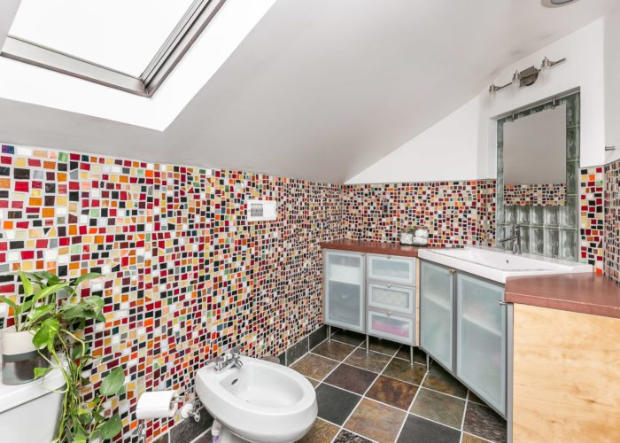 2603 Gibbons Avenue, bathroom glass tile walls and bidet