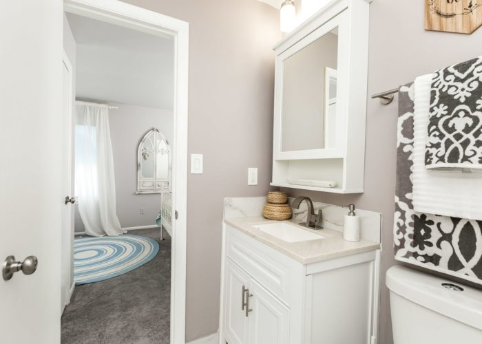 35 Nakota Ct., bathroom with view of bedroom