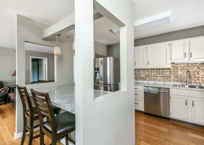 4102 Chardel Rd., kitchen with breakfast bar