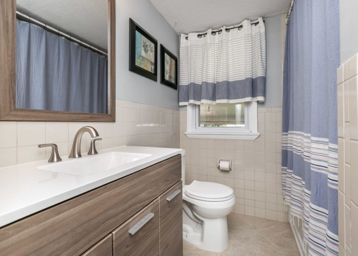 6536 Corkley Road, bathroom with shower