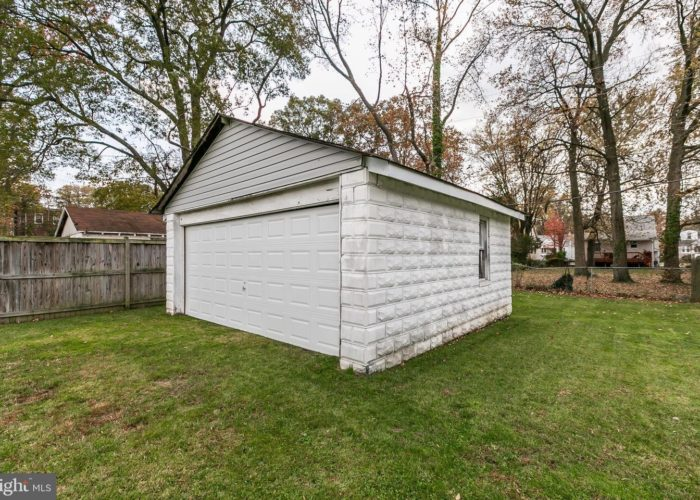 3039 Fleetwood Avenue, shed