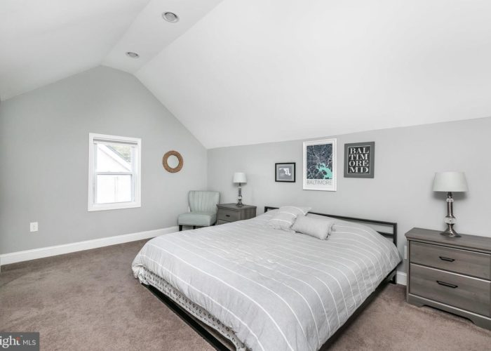 3039 Fleetwood Avenue, bedroom 2