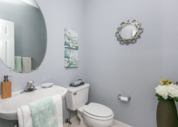25 Stablemere Ct., bathroom