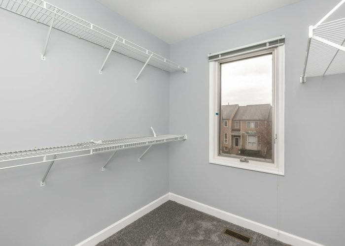 25 Stablemere Ct., walk in closet
