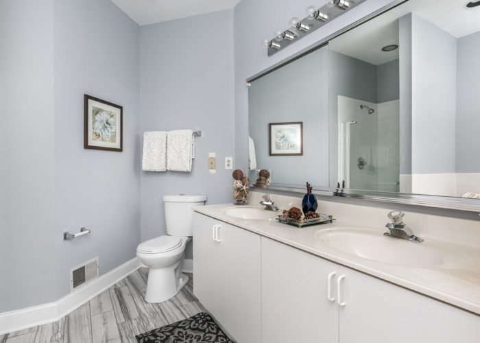 25 Stablemere Ct., bath with mirrors and double sinks