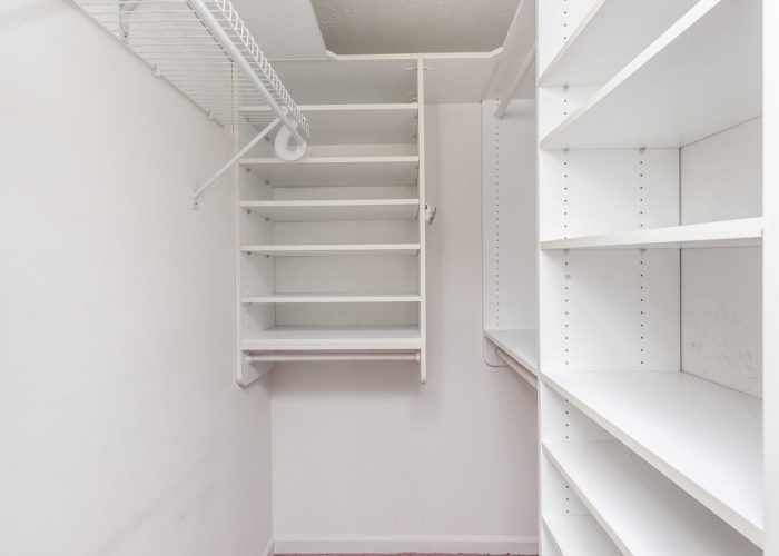 15 Willow Path Court, roomy closet