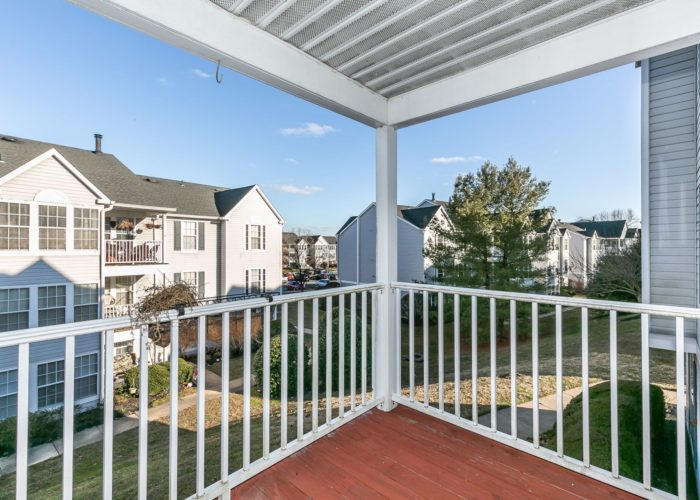 15 Willow Path Court, nice balcony