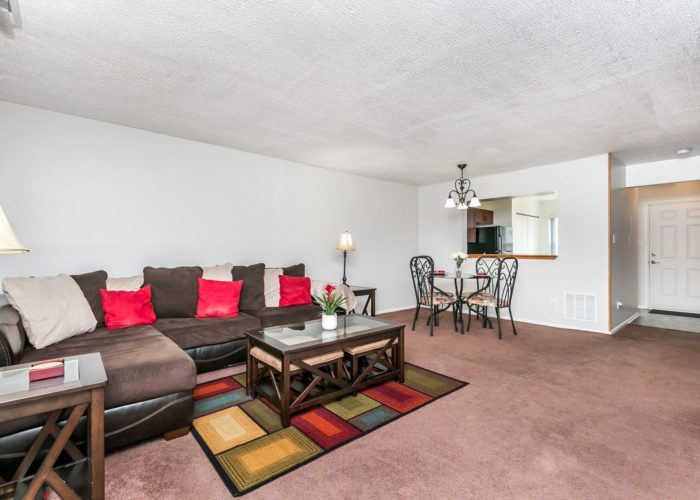 36 Nakota Court, living room and dining area