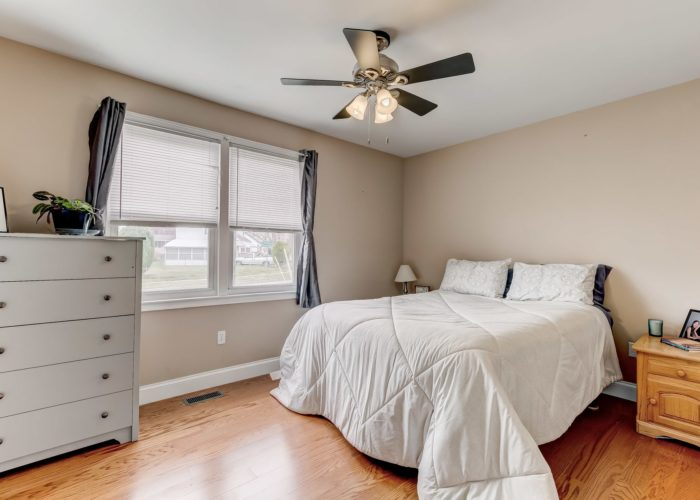 552 W. Woodlynn Road, bedroom two with ceiling fan
