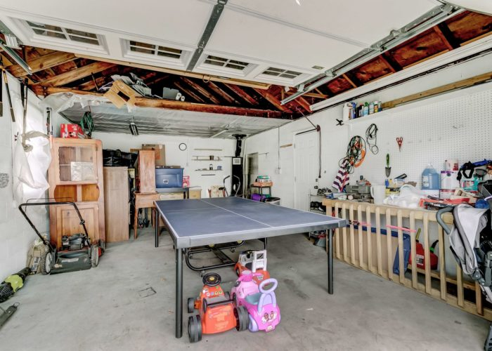 552 W. Woodlynn Road, garage interior