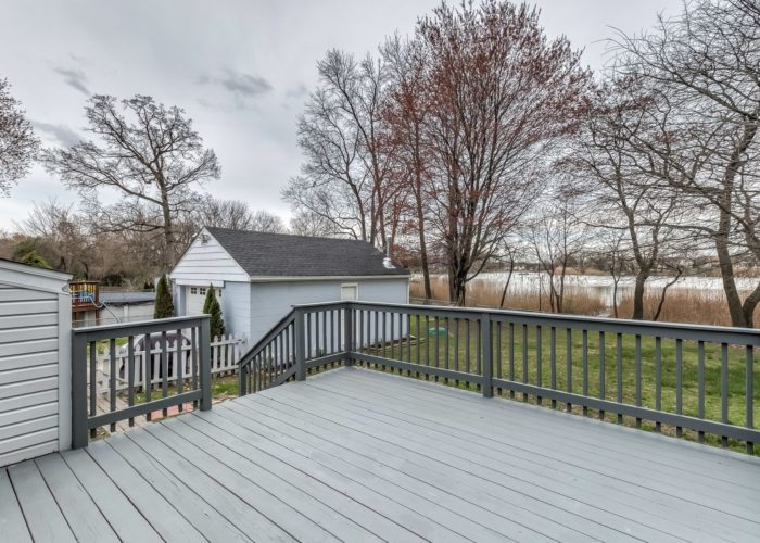 552 W. Woodlynn Road, back deck