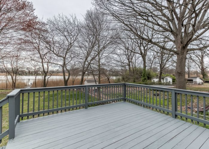 552 W. Woodlynn Road, deck with view of the marsh