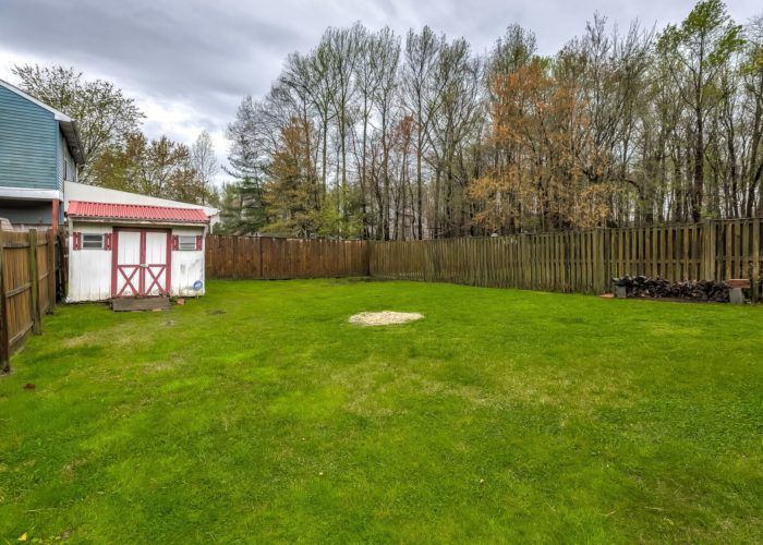 3009 Lilac Court, fenced back yard with shed