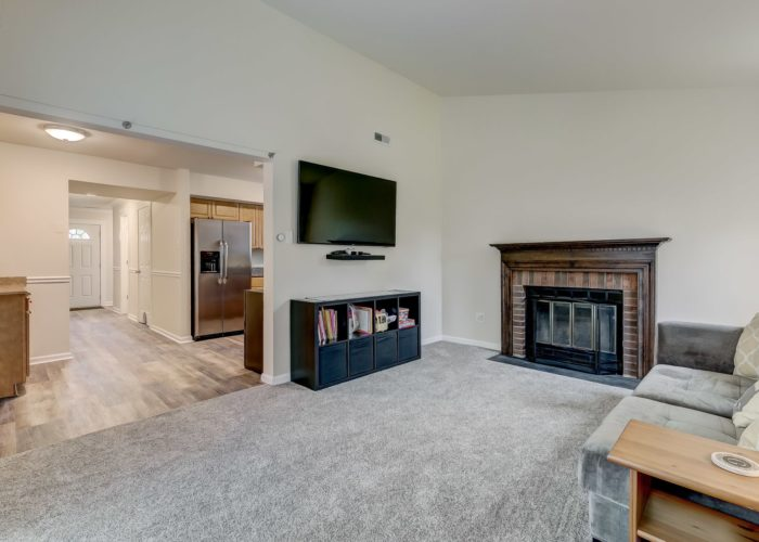 3009 Lilac Court, living room