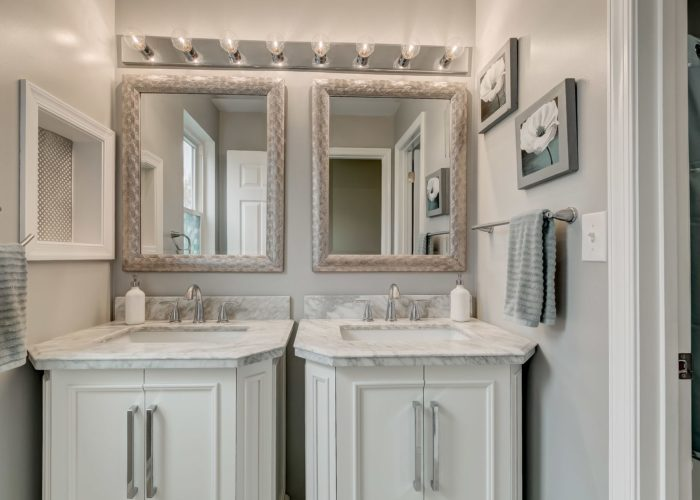3009 Lilac Court, double sinks