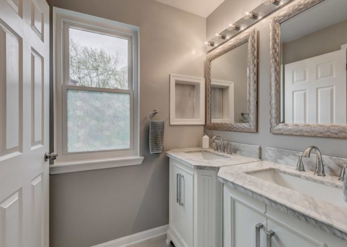 3009 Lilac Court, bathroom with dual sinks