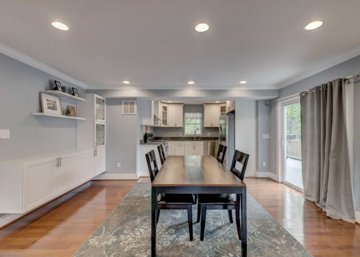 506 Locksley Road, dining room with sliding glass door