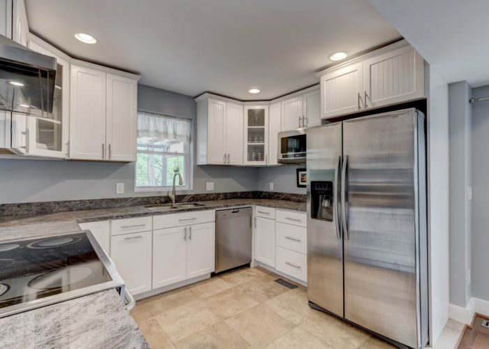 506 Locksley Road, kitchen counters