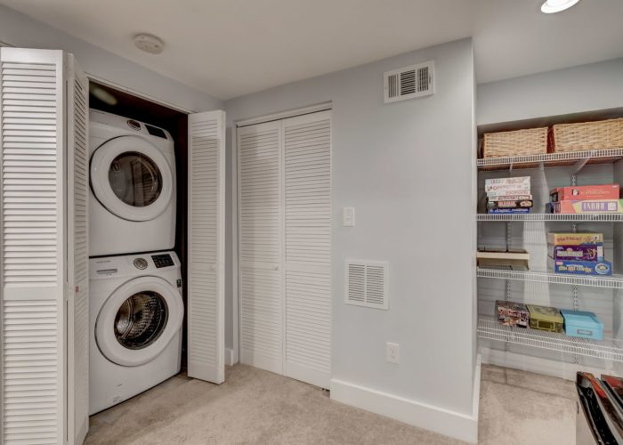 506 Locksley Road, laundry area