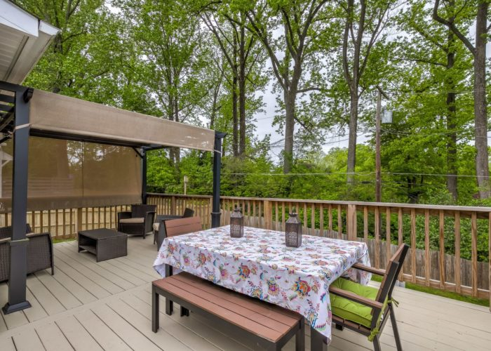 506 Locksley Road, large deck