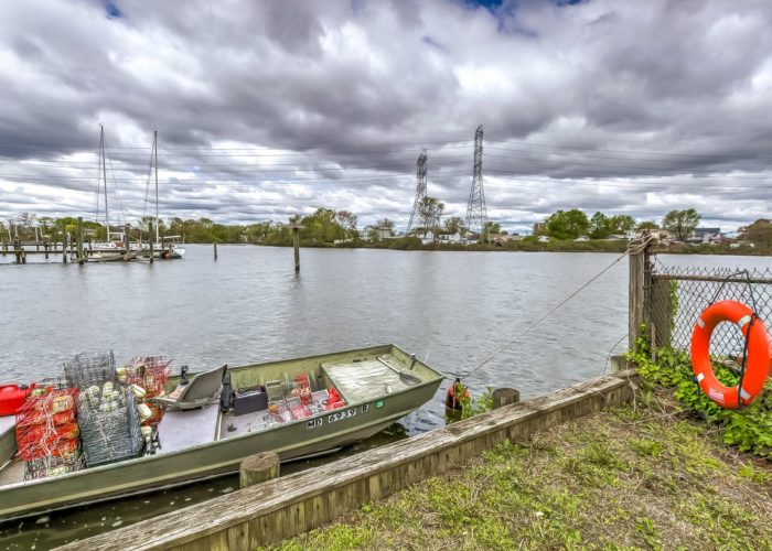8134 Bullneck Road, keep a boat in your back yard