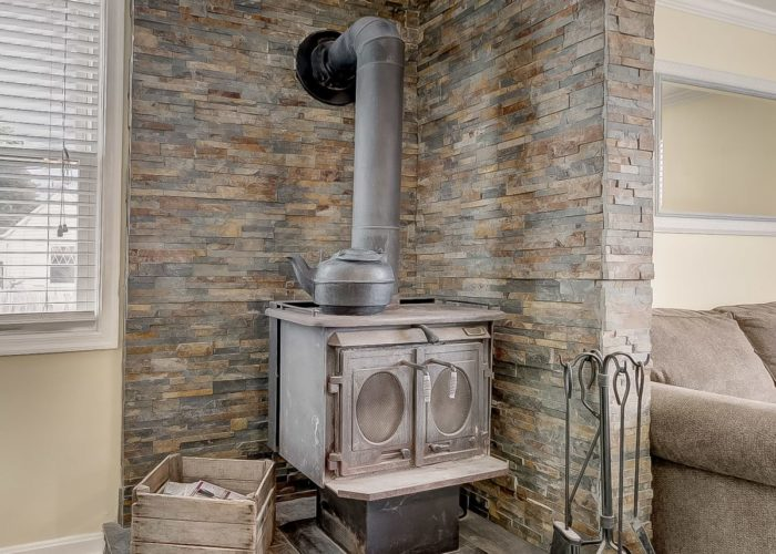 8134 Bullneck Road, wood burning stove with surrounding tile