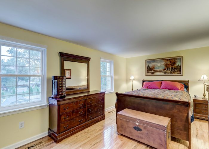 105 East Orange Court, first bedroom with windows