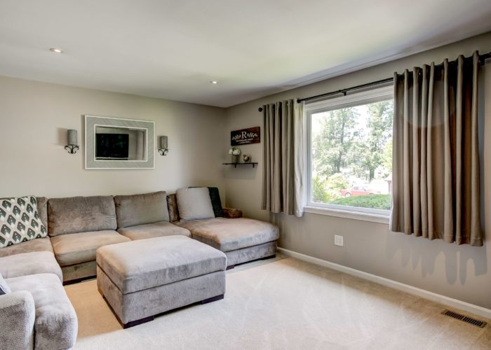 3 Hoff Court, living room with large window