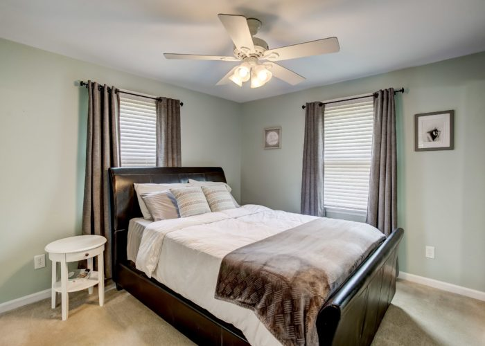 3 Hoff Court, master bathroom with ceiling fan